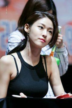 HD kpop pictures and gifs. Kpop Girl Groups, Kpop Girls, Korean Girl Groups, Seolhyun, Beautiful Asian Women, Beautiful Celebrities, Korean Women, South Korean Girls, Korean Beauty