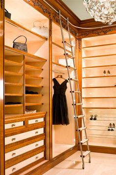 The SL.6005.KL Vario Telescoping Library Ladder provides the slick design of a curved track library ladder with easy storage. Buy it today, free shipping.