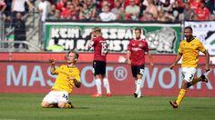Marvin Stefaniak (21) wird Dynamo verlassen und zum VfL Wolfsburg wechseln.  Das berichtete heute der Kicker. Damit sichern sich die Wolfsburger kurz nach Ende der Transferperiode den nächsten Neuzugang.    Diese Saison wird Marvin noch komplett in Dresden spielen, zum 1. Juli 2017 wird er für den VFL auflaufen. Die Ablöse beträgt 1,5 Millionen plus einer Art Vorkaufsgebühr.