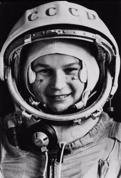 First woman to go into space - Valentina Tereshkova. In 1963 she spent almost three days in space and orbited Earth 48 times in her space capsule Vostok Valentina Tereshkova, History Images, Women In History, Arte Robot, Space Girl, Space Race, Space Program, Historical Pictures, Space Exploration