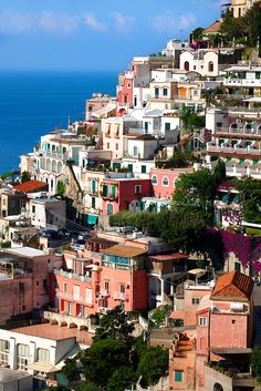 The fashionable resort of Positano, Amalfi coast, Italy Pictures Images, Travel Pictures, Cool Pictures, Travel Brochure, Archaeological Site, Amalfi Coast, Paris Skyline, Places To Visit, Castle