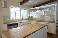 Minimalist White Scheme Mid Century Modern Kitchen Design White Mosaic Tile…