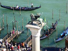 #instatravel#venedig#ilovevenice#venezia#venice#italy#travelingram#impressionen#igitaly#instaitalia#beautifulplace#beautifulview#wanderlusting#travel#travelphotography#gondola#instavenice#igersvenezia#ig_venice#unlimitedvenice#volgovenezia#veneziacityitaly#venezia_in#loves_venezia#venezianity by ingwer_keks