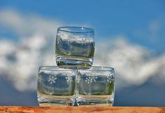 Verre à eau ou à apéritif flocon blanc Création : Vagabonde Crédit Photo : JP.Noisillier/nuts.fr