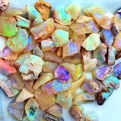 Breathtaking Raw Opal 🙌🏻 via @hawkhousedesigns || Opal intensifies emotions…