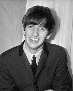 Ultimate Classic Rock counts down the best Beatles songs featuring Ringo Starr. Beatles Songs, The Beatles 1, John Lennon Beatles, Ringo Starr, Liverpool, Richard Starkey, The Ed Sullivan Show, Paperback Writer, The Fab Four