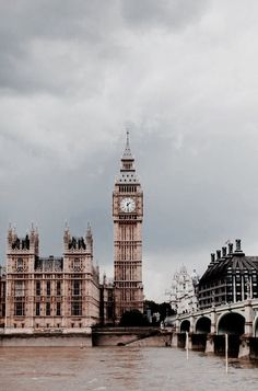 i'll never get tired of london - travel | united kingdom & ireland - wanderlust - england - uk - trip - bucket list - europe - inspiration - idea - ideas - adventure - explore - travel photography