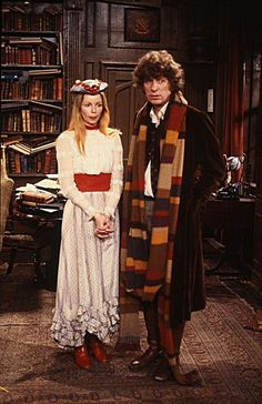 Lalla Ward and Tom Baker in Dr Who. I met Lalla at Denville Hall the Actors home, she was one of the Governors, lovely lady. David Tennant Doctor Who, Doctor Who Tv, 4th Doctor, Eleventh Doctor, Good Doctor, Doctor Who Cosplay, Lalla Ward, Film Science Fiction, Best Sci Fi Shows