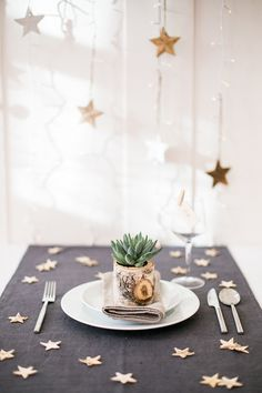 bloved-uk-wedding-blog-bteam-rustic-styled-christmas-shoot-oh-starry-night-anneli-marinovich (15)