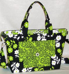 The City Bag is perfect as a briefcase or a purse – you decide! Measuring 13″ x 11″ x 4″, it features a ton of pockets, fully lined, handles & a shoulder strap. Use any standard zipper & find out how easy it is to put a zipper in using Lazy Girl Designs's trademark 'No-Fear' zipper. Bag Patterns To Sew, Tote Pattern, Pdf Sewing Patterns, Handbag Patterns, Cheap Handbags, Purses And Handbags, Lazy Girl Designs, Sewing Basics, Basic Sewing
