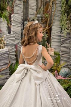 Purple Flower Girls, White Flower Girl Dresses, Girls Dresses, Wedding Party Shirts, Wedding Party Dresses, Party Wedding, Bridesmaid Flowers, Birthday Dresses, Stunning Dresses