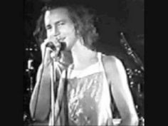 The Butts - Plenty of Time (Eddie Vedder's first band) Glad his writing has gotten better.
