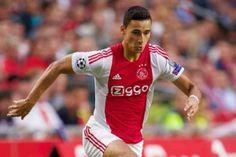 Met de kennis dat PSV zaterdagavond verloor in Almelo en dat Feyenoord om 12.30 uur gelijkspeelde tegen Roda JC, mocht Ajax aantreden tegen Excelsior. Ajax wist deze wedstrijd zonder al te veel inspanning met 0-2 te winnen.