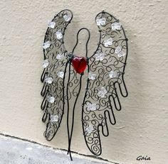 Christmas Crafts For Gifts, Craft Gifts, Christmas Diy, Wire Ornaments, Angel Ornaments, Wire Crafts, Diy And Crafts, Arts And Crafts, Wire Crosses