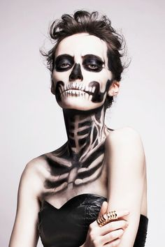 8 Terrifyingly Beautiful Halloween Looks You Have to See to Believe via @byrdiebeauty--- statuesque skeleton