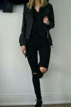All black outfit Black jean jacket Black jeans Style Noir, Mode Style, Looks Style, Style Me, Mode Outfits, Casual Outfits, Skirt Outfits, Fall Outfits, Look Fashion