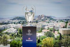 Στην Ελλάδα αποκλειστικά από τη Heineken το τρόπαιο του UEFA Champions League: Η Heineken φιλοξένησε σήμερα και για λίγες μόνο ώρες στην…