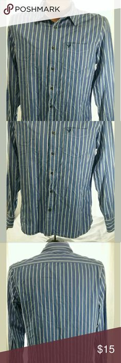 American Eagle Vintage Fit Mens Shirt Large For sale is a Men's American Eagle Shirt Size Large - Very Good Pre-owned Condition -? No holes or stains??  Approximate Measurements?? Pit to Pit- 23 Sleeve - 26? LFC- 30?  Please, view all pictures, and ask questions if you have any.?? I GENERALLY SHIP OUT WITHIN ONE BUSINESS DAY OF RECEIVED PAYMENT.?? American Eagle Outfitters Shirts Casual Button Down Shirts