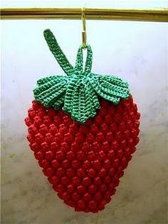 Bem-vindos à Morangolândia: Pegador de Panela Morango http://pinterest.com/gigibrazil/crochet-kitchen/