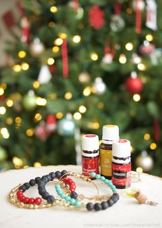 This DIY Essential Oil Diffuser bracelet is the perfect easy & inexpensive Homemade Holiday gift for the oily girl in your life, or yourself!