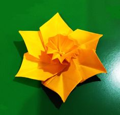 Origami Narcissus / Daffodil . Easter table decoration. Украшение стола