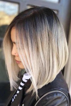 An inverted bob, also known as a graduated bob, is peculiar with its longer front and shorter back – Inverted Bob Hairstyles, Long Bob Haircuts, Straight Hairstyles, A Line Haircut, Aline Bob, Hair Color 2018, Ash Blonde Highlights, Blond Ombre, Pixie Cuts