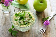 Kohlrabi and Apple Slaw Carne Asada, Grapefruit Salad, Apple Slaw, Summer Salads With Fruit, Turkey Salad, Best Pasta Salad, Slow Cooker Apples, Mint Salad, Greek Salad Recipes
