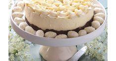 Talven huuruinen valkoisella Tobleronella kyllästetty hurmaava juustokakku on joulupöydän makein herkku.