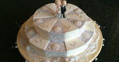 Wedding cake made of cardboard as a gift of money, Wedding cake made of cardboard as a gift of money, Cakes To Make, How To Make Cake, Small Sewing Projects, 3d Projects, Paper Crafts, Diy Crafts, Paper Cake, Stampin Up, Wedding Cakes
