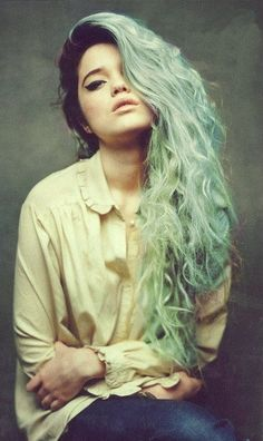 Grunge Hair - so pretty. Takes some balls to take the plunge with hair like that.