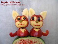 cat edible garnish of apples - New Ideas Funny Fruit, Cute Fruit, Fruit Crafts, Food Crafts, Fruit Presentation, Veggie Art, Fruit Animals, Food Art For Kids, Food Sculpture