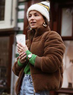 Ne jamais renoncer - et ce même en hiver - à sophistiquer ses looks casual/cosy ! (photo Lizzyvdligt)