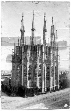 AD Classics: La Sagrada Familia,Construction of the apse walls completed 1893 © Expiatory Temple of the Sagrada Família