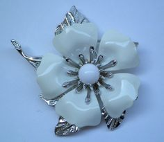Vintage Sarah Coventry White Enamel Flower Pin Brooch Silver Tone Mid Century #SarahCoventry