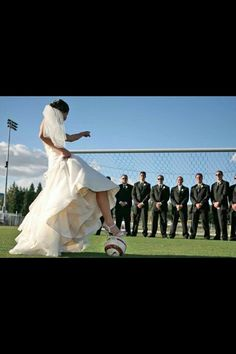 I think this is my favorite soccer wedding pic-this will be one of my wedding pictures Soccer World, Play Soccer, Soccer Stuff, Soccer Pics, Soccer Pictures, Soccer Quotes, Soccer Ball, Basketball, Soccer Wedding