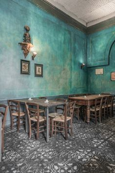 Bar & Restarant in Milan Moroccan Restaurant, Bar Restaurant, Restaurant Design, Vintage Restaurant, Decoration Restaurant, Fachada Colonial, Turquoise Walls, Vintage Cafe, Urban Loft