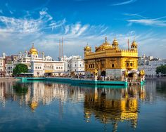 This tour package includes your sightseeing of the one of the most beautiful places in North India & Places Includes are Amritsar along with Delhi, Agra & Jaipur Golden Temple Wallpaper, Temple D'or, North India Tour, Harmandir Sahib, Weather In India, Golden Temple Amritsar, Backpacking India, Visit India, Stay The Night