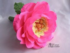 Diy Bouquet, Candy Bouquet, Ferrero Rocher Bouquet, Chocolate Bouquet Diy, Sweet Stories, Crepe Paper Flowers, Pink Flowers, Summer Wedding, Gifts