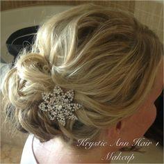 looseness is pretty Beach Bridal Hair, Bridal Hair Updo, Wedding Hair And Makeup, Wedding Updo, Wedding Hairstyles, Hair Makeup, Bun Hair, Beach Wedding Inspiration, Wedding Ideas