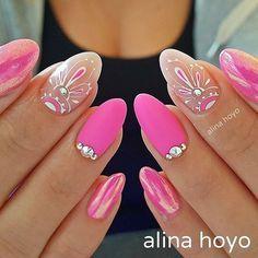 What's an American Manicure? Fancy Nails, Bling Nails, Cute Nails, Pretty Nails, Pink Nail Colors, Pink Nail Art, Purple Nails, Diy Nail Designs, Short Nail Designs