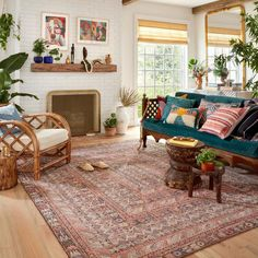 Eclectic Living Room, Boho Living Room, Eclectic Decor, Home And Living, Living Room Designs, Colorful Living Rooms, Bohemian Room, Earth Tone Living Room Decor, Colourful Home