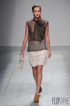 Véronique Leroy Spring-summer 2015 - Ready-to-Wear - http://www.flip-zone.net/fashion/ready-to-wear/independant-designers/veronique-leroy-5055 - ©PixelFormula