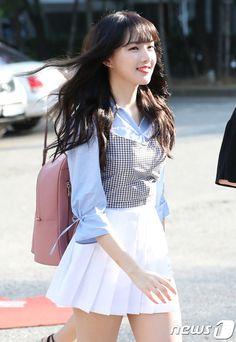 ʚ pin - lloverrose ɞ Cute Fashion, Asian Fashion, Girl Fashion, American Apparel Skirt, G Friend, Cute Girl Outfits, Korean Celebrities, Beautiful Asian Girls, Kpop Girls