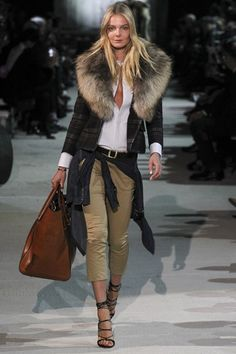 Fall 2015 Menswear Fashion Show Fur Fashion, Look Fashion, Fashion Outfits, Womens Fashion, Fashion Design, Fashion Ideas, Fashion 2020, Street Fashion, Business Outfit Frau