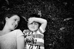 I am a Brisbane mum who loves quirky maternity, newborn, children and family photography.