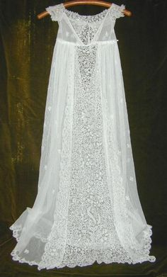 Antique Lace Christening Gown /European  http://www.valentinasgifts.com/antiques/items/cgown100.htm