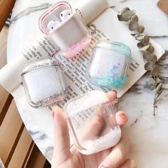 20 pretty and quirky AirPods cases that you'll want to keep your earbuds in - AVENUE ONE Fone Apple, Airpods Apple, Apple Case, Cute Headphones, Girl With Headphones, Cute Ipod Cases, Aesthetic Phone Case, Accessoires Iphone, Airpod Case