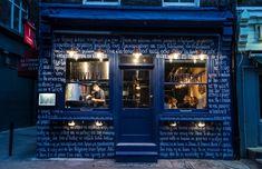 Suvlaki Restaurant Reflects an Authentic Urban Side of Greece Small Restaurant Design, Fast Casual Restaurant, Restaurant Concept, Greek Restaurants, Casual Restaurants, Soho, Washing Windows, Burger Restaurant, Cafe Bar