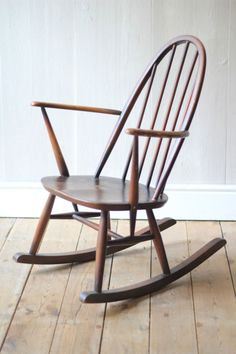 Herman Miller Chair Size C Mid Century Chair, Mid Century Furniture, Eames Chairs, Upholstered Chairs, Ercol Rocking Chair, Mission Chair, Hand Painted Chairs, Retro Armchair, Contemporary Chairs