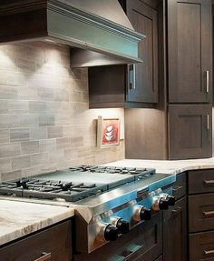 We went for dark wood kitchen designs, and the offer is diversified, so you can pick some of these according to what you wish for for your new kitchen, either built from scratch or that overdue kitchen remodel you have been saving for. Go modern, rustic or minimalist and contemporary, and your kitchen will look great according to our books but remember you have the last saying. The most important part is that among these dark wood kitchen designs you find the kitchen you have been looking… Classic Kitchen, Red Kitchen, Black Kitchens, Kitchen Layout, Home Decor Kitchen, Rustic Kitchen, Kitchen Ideas, Kitchen Designs, Kitchen Inspiration